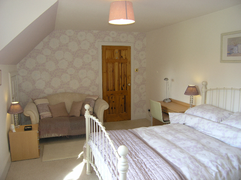 Double Bed/Sitting Room 1